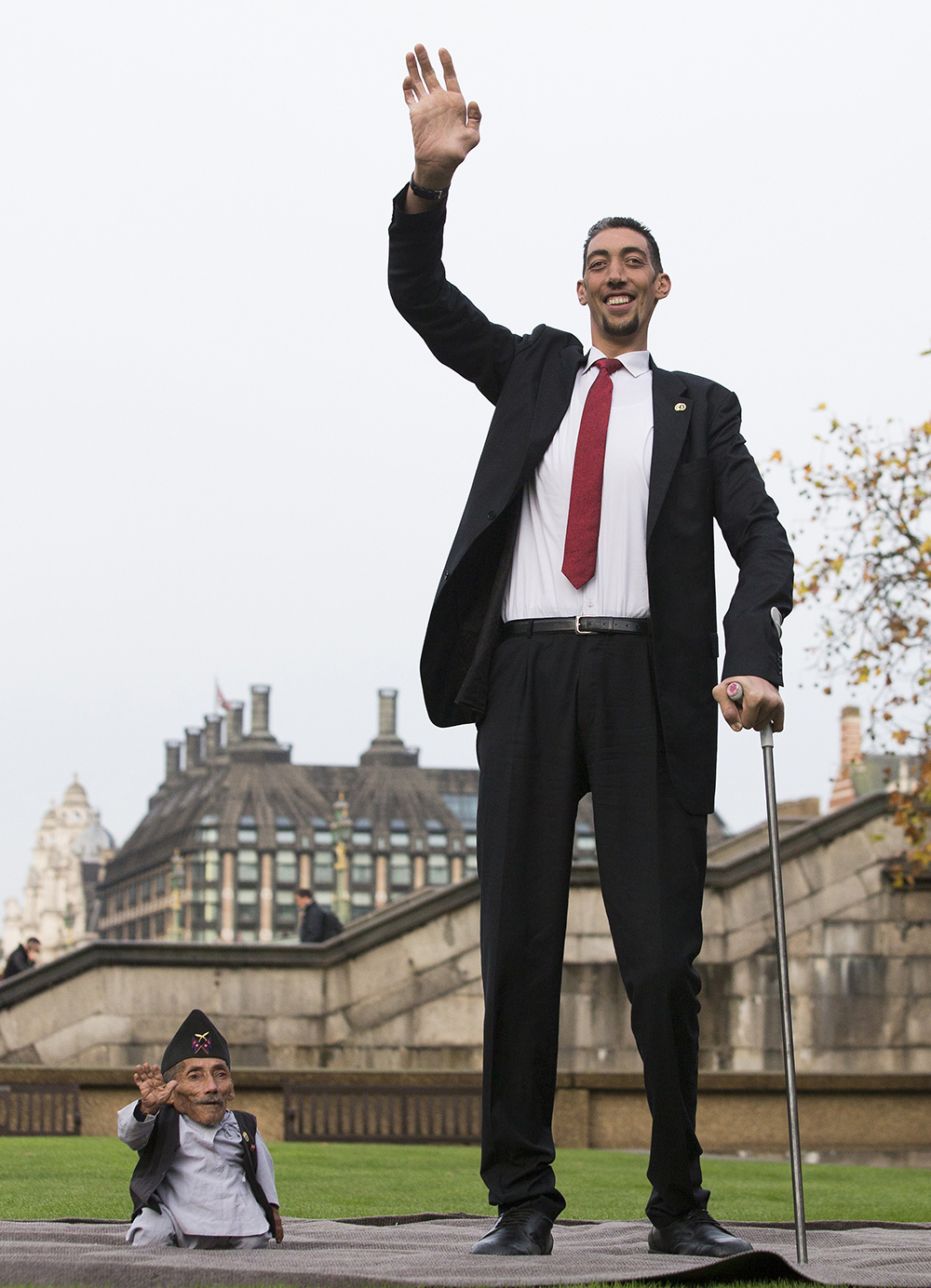 بالصور اطول رجل في العالم , صور لاطول و اغرب رجال العالم كله 2076 3