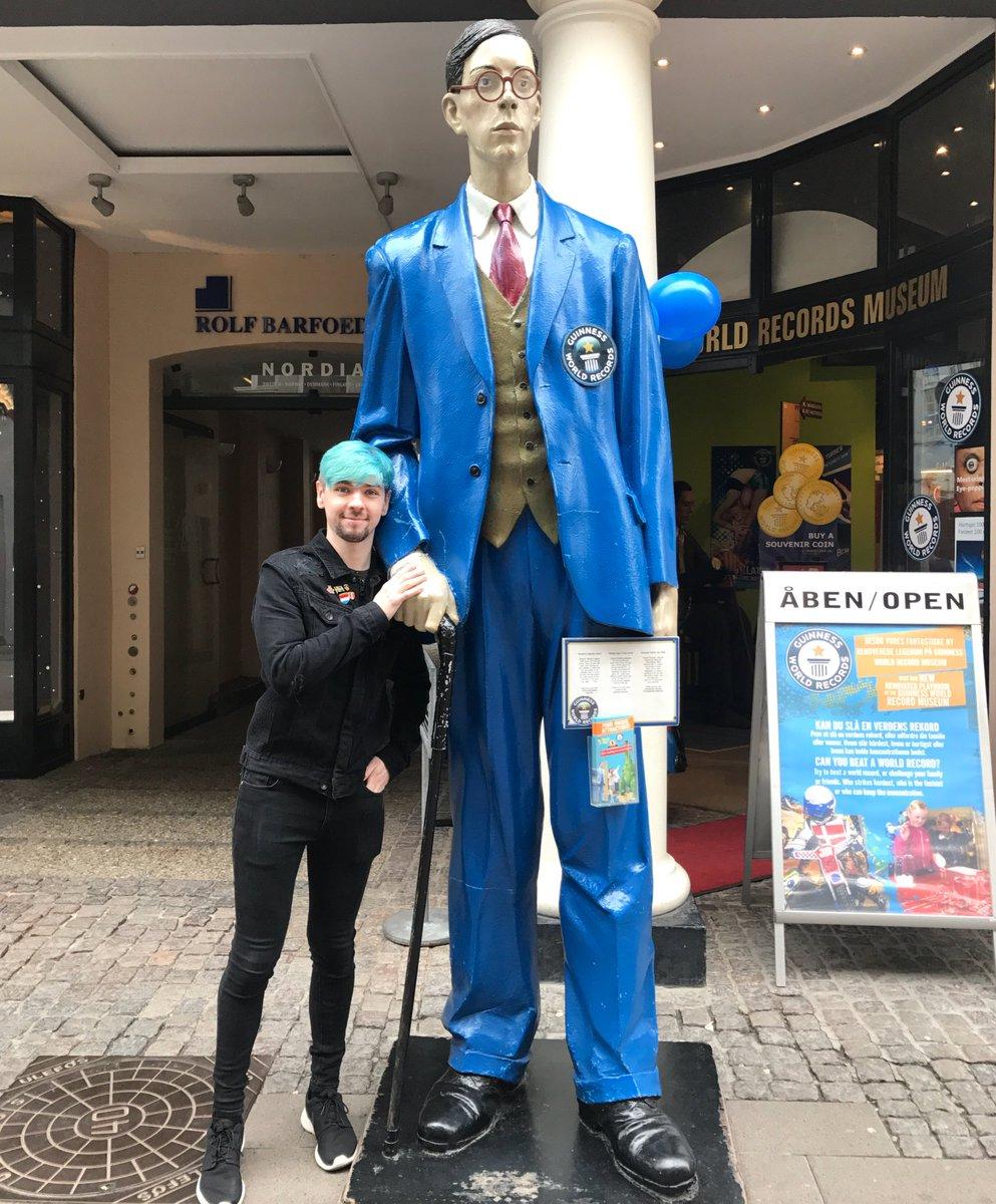 بالصور اطول رجل في العالم , صور لاطول و اغرب رجال العالم كله 2076 6