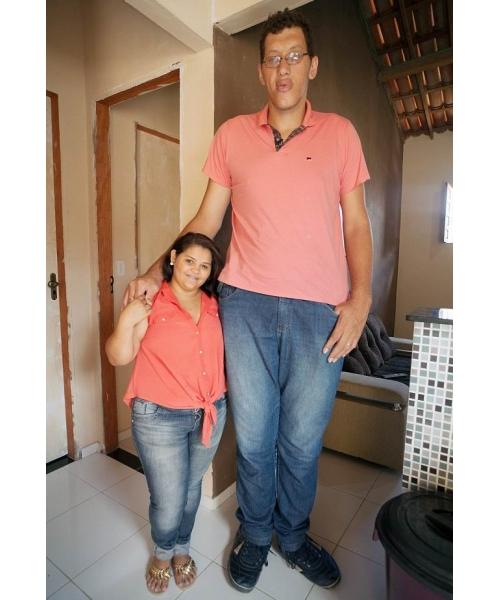 بالصور اطول رجل في العالم , صور لاطول و اغرب رجال العالم كله 2076 9
