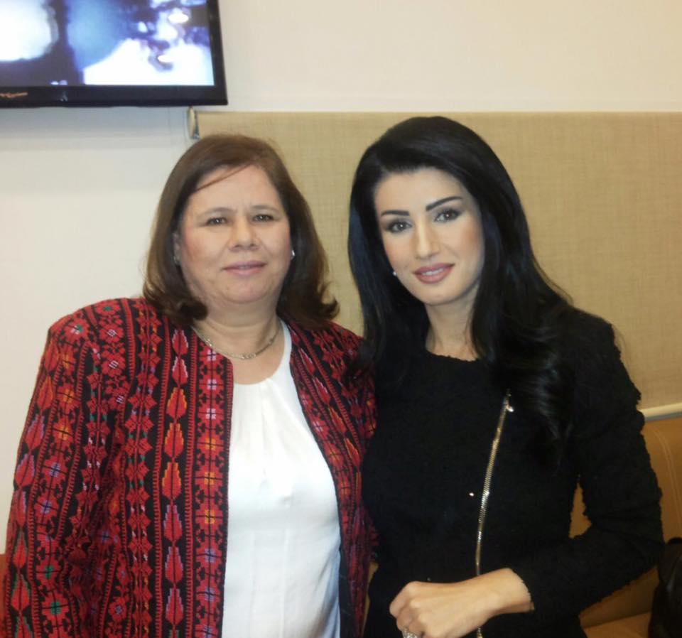 بالصور لينا زهر الدين , صور اعلاميه لبنانيه 2957 2