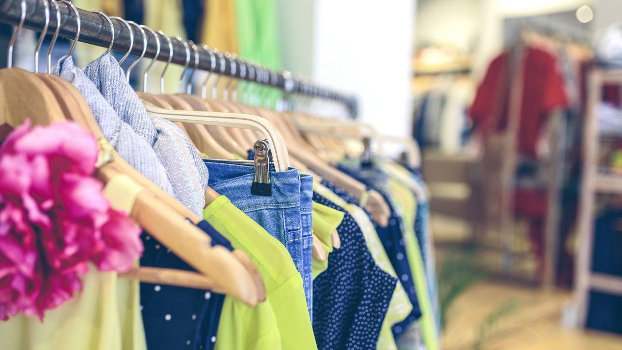 بالصور تسوق ملابس , اروع صور هوس التسوق 3495 2
