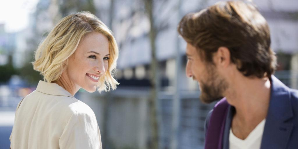 صور كيف تعرف ان شخص يحبك من عيونه , طريقة نظرة العين لمعرفة الحبيب