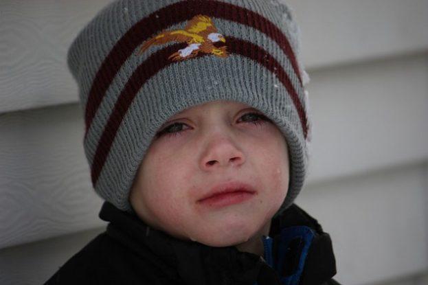 بالصور صور اطفال حزينه , خلفيات حزن للاطفال مؤثرة 4082 11