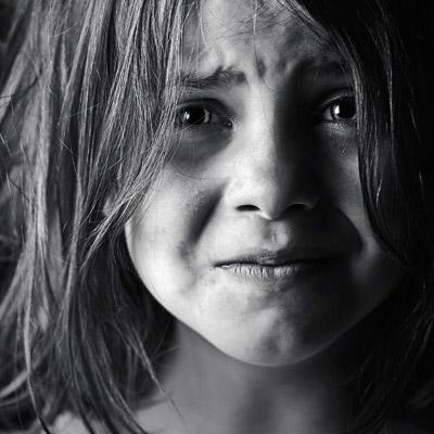 بالصور صور اطفال حزينه , خلفيات حزن للاطفال مؤثرة 4082 7