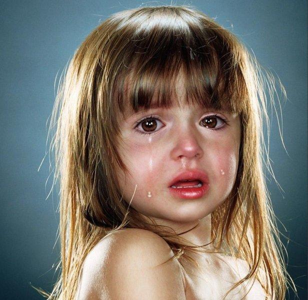 بالصور صور اطفال حزينه , خلفيات حزن للاطفال مؤثرة