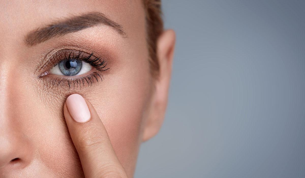 بالصور الهالات السوداء تحت العين , اسرع طريقة للتخلص من الهالات السوداء 6152 2