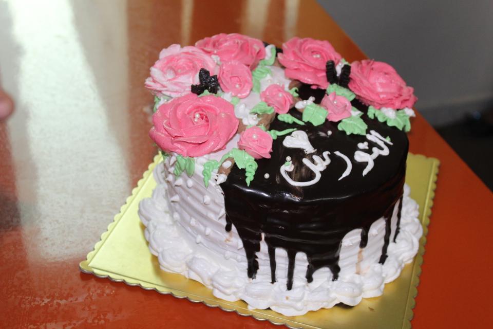 بالصور تزيين الكيك بالصور , اجمل صور الكيك المزينة بالحلوى والشوكلت 11026 3