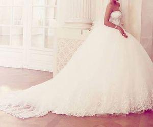 صور فستان في المنام , تفسير حلم الفستان