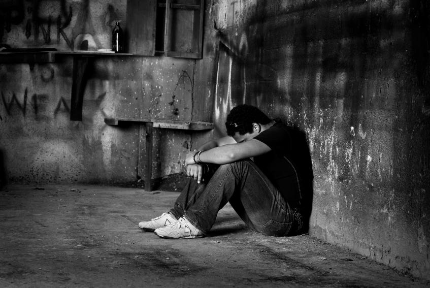 صور صور رجل حزين , صور شباب حزينه ومؤثرة جداا