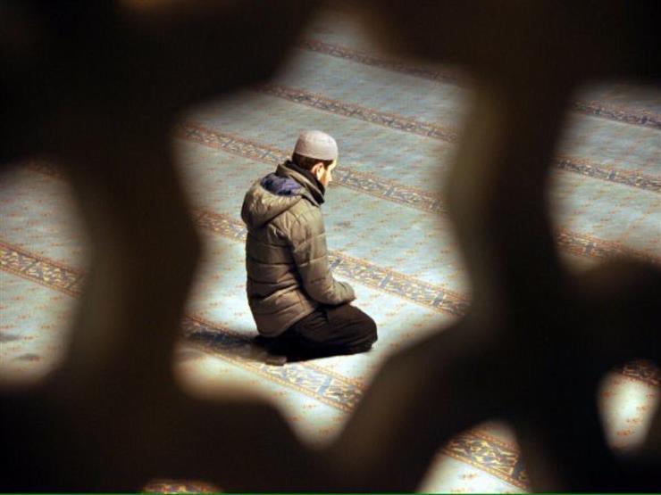 صور تفسير رؤية شخص يصلي في المنام , تفسير حلم الصلاة
