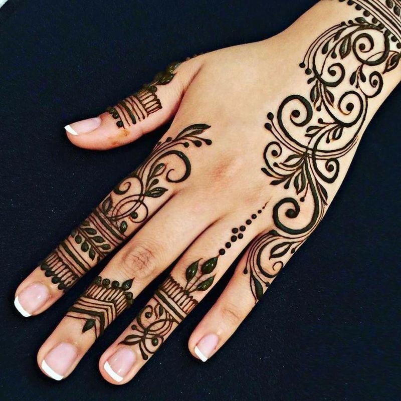 صورة رسومات حنة لليد , زينى يدك باجمل رسومات حنة