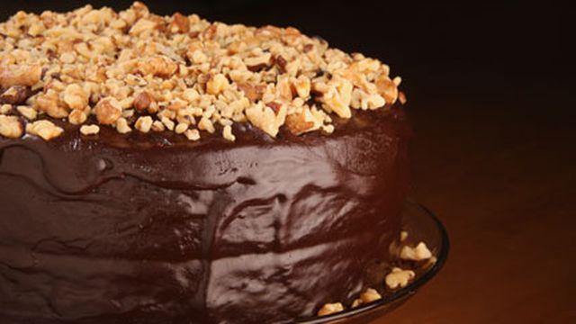 صورة طريقة تزيين كيكة الشوكولاته , زينى كيكتك بافكار جديدة