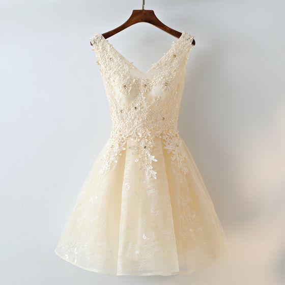 صورة موديلات فساتين دانتيل , لكل امرأة تحب الاناقة و التميز إليكي هذه الفساتين الرائعة 5323